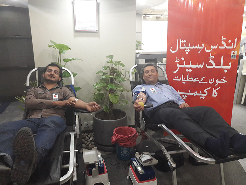 blood-donation-in-support-of-the-indus-hospital-2